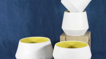 tasse_porcelaine_jaune_ensemble